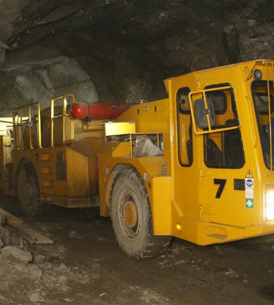 В ПАО «Гайский ГОК» появился подземный бетоноукладчик