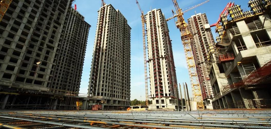 Российские девелоперы не останавливают стройки, но ждут снижения спроса на жилье