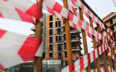 Собянин приостановил строительство жилья и работу каршеринга в Москве