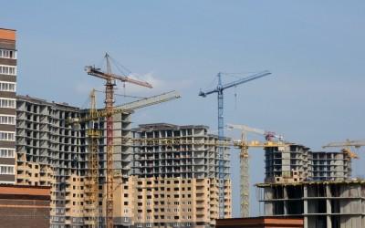 Столичные девелоперы заявили об ускоренном начале работы строек после месячного простоя