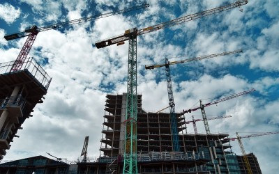 В Подмосковье возобновили строительство и работу промпредприятий