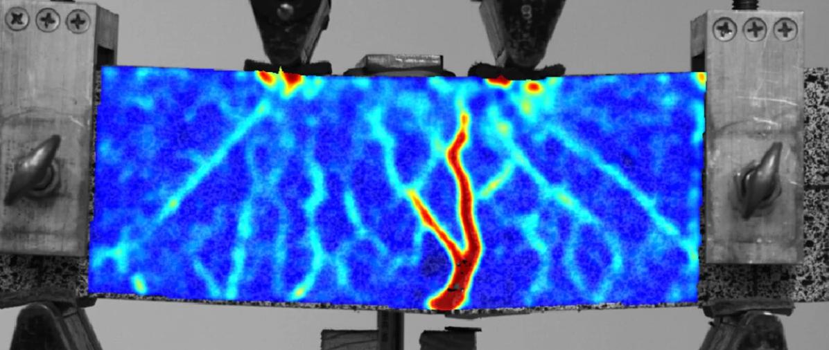 Низкоуглеродистый бетон сохраняет  прочность  благодаря использованию полимерной решетки